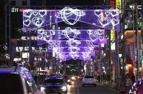 가을축제 다채 창원시 곳곳 '빛거리·빛터널' 점등