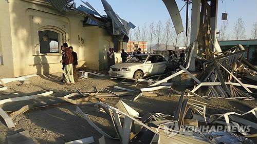 아프간 이슬람 사원 2곳서 자살폭탄 테러…최소 63명 사망(종합)