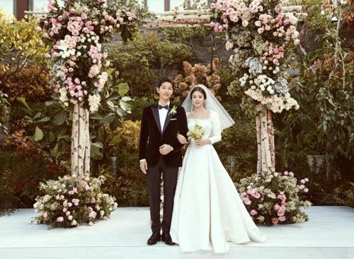 송중기-송혜교, 오늘부터 부부…눈물 속 동화같은 결혼식(종합2보)