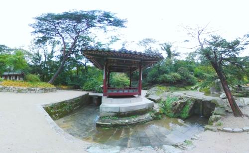 [VR현장] 비 오면 더 멋진, 아시아 3대 정원 '창덕궁'