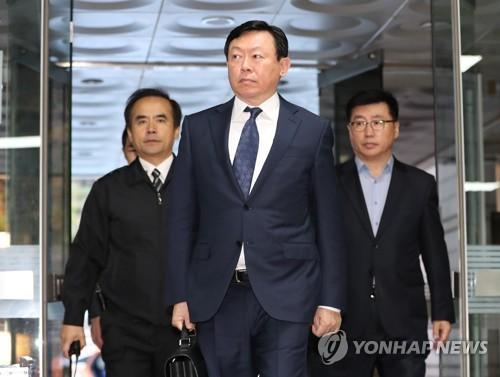 롯데 신동빈 회장 인니행…동남아 사업확대 '가속페달'