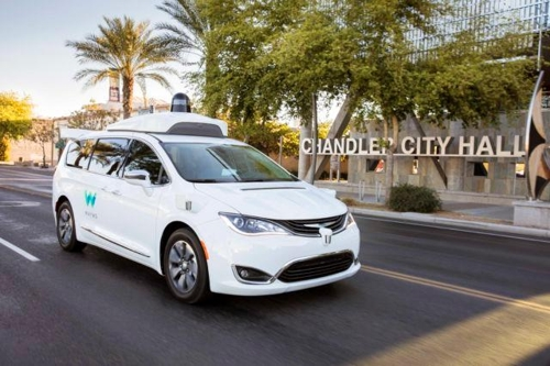 구글 자율차 웨이모, '운전석 비운 채' 처음으로 공공도로에