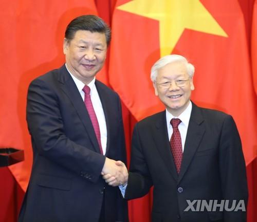 """中 시진핑, 베트남과 남중국해 갈등 봉합?…""""공동개발 등 협력"""""""