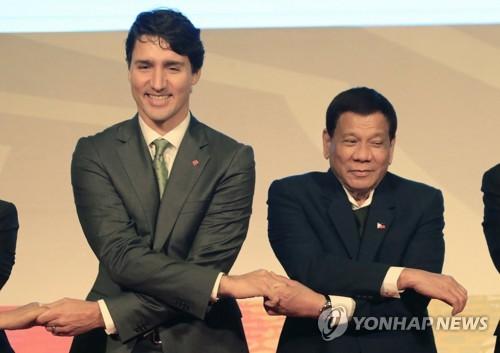 두테르테에게 필리핀 인권문제 꺼낸 캐나다 총리…돌아온 반응은(종합)