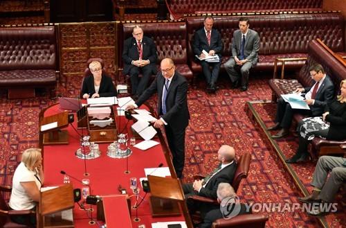 안락사 합법화는 난제…호주 주요 州 의회 표결 갈려
