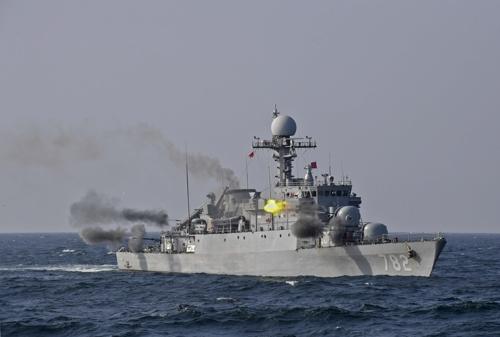 '바다의 탑건함' 해군 광명함 선정…포술최우수 전투함