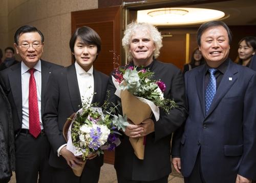 박삼구 회장, 베를린필하모닉 협연 피아니스트 조성진 축하