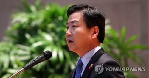 """홍종학 """"혁신하는 재벌엔 지원…재벌 경제력 남용은 안돼""""(종합)"""