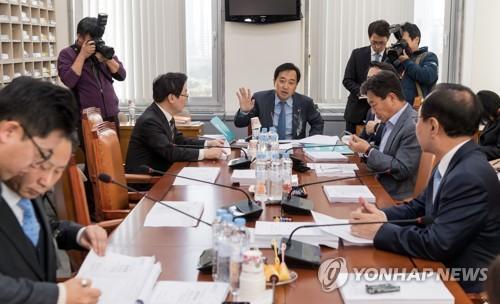 한걸음도 못 나간 공수처…국회 논의 '무기한 공전'(종합)