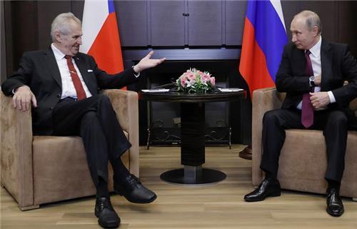 """푸틴 """"시리아 정부, 자국 영토 98% 통제""""(종합)"""