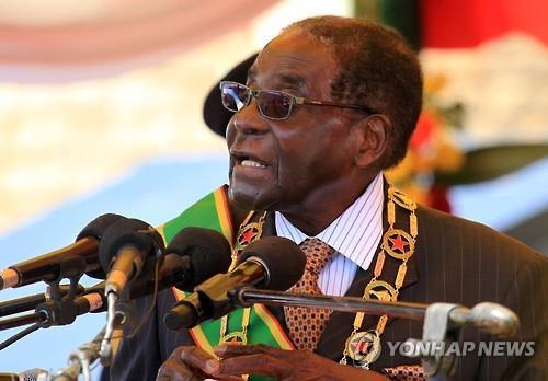 무가베 퇴진 짐바브웨는…장기집권 아래 최빈국 전락