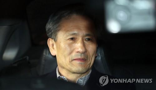 """""""김관진 석방 납득 어렵다"""" 검찰, 법원 결정에 강력 반발"""