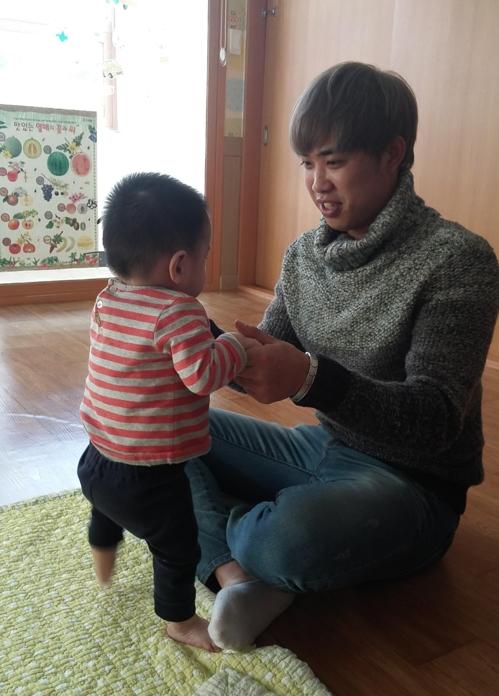 KIA, 광주 영아일시보호소에 사랑의 기금 전달