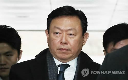 경영비리 10년에 뇌물 4년 구형까지…롯데 신동빈 '설상가상'