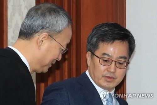 김동연·백운규, 재계에 경제·통상정책 협조 '릴레이 구애'