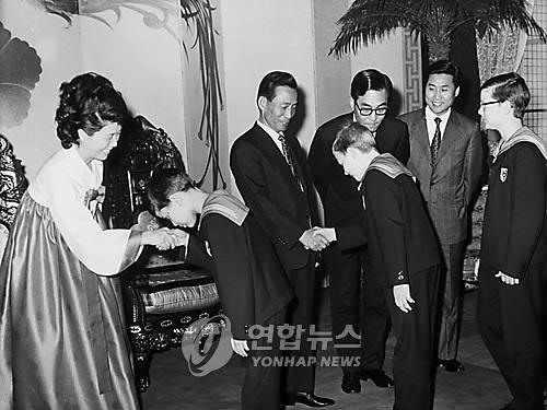 [이희용의 글로벌시대] 평창올림픽에 북한 어린이합창단이 온다면…