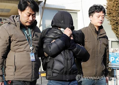 "[SNS돋보기] 여자화장실서 알바생 폭행한 40대…""엄중 처벌해야"""