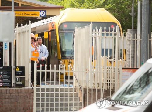호주 시드니서 기차, 철로 끝 장벽 돌진 16명 부상