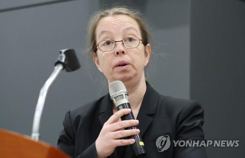 """유엔 北인권사무소장 """"이산상봉, 정치적 문제와 연계 안돼"""""""