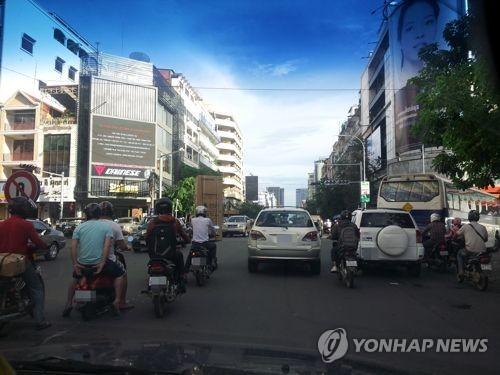 서울대 의료진, 캄보디아서 사고 학생 진료…1명 여전히 위중