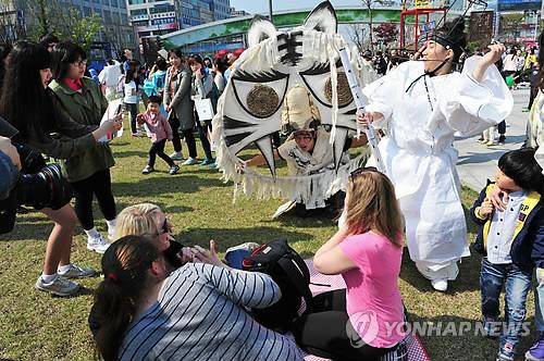 '2018 안산 국제거리극축제' 5월..