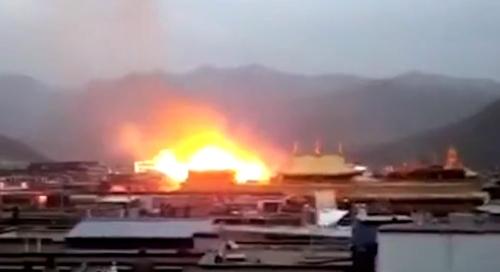 """'티베트 성소' 조캉사원 큰불 났는데…中""""어떤 유물피해도 없다"""""""