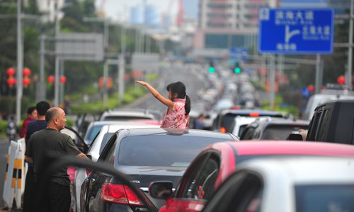 중국 춘제 귀경인파에 '하이난-베이징' 항공권 가격 10배 폭등