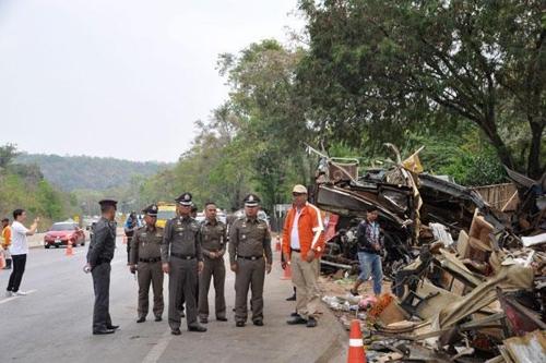 '마약에 취한 죽음의 질주' 18명 목숨 앗아간 태국 버스 기사