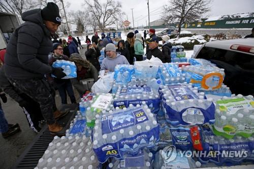 납 수돗물 美플린트, 끝나지 않은 물 전쟁…병물 공급 중단 논란