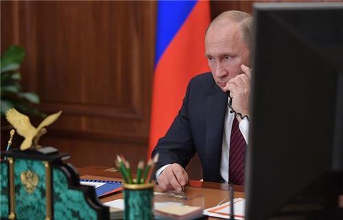 """푸틴 """"서방이 또 시리아공습하면 국제관계 혼란 초래할것""""(종합2보)"""
