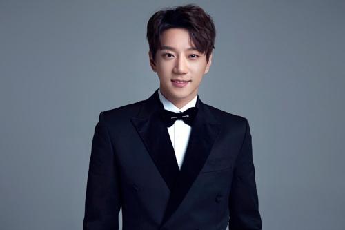 황치열, 24일 첫 국내 쇼케이스…신곡 '별, 그대' 공개