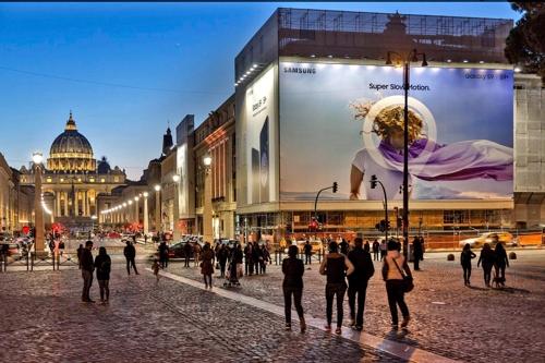 삼성전자, 베를린·로마서 갤럭시S9 대형 옥외광고