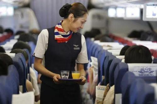 중국, 내달부터 신용불량자 등 항공기 1년간 탑승 금지