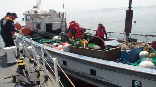 속초해경, 양양 수산항 앞바다 침수 어선 구조