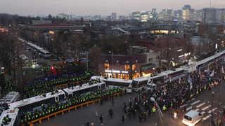[속보] 법원, 청와대 100m 앞까지 행진 제한 허용…분수대는 금지