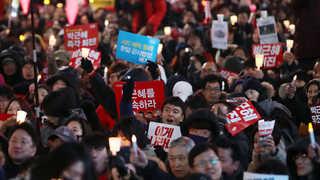 """[뉴스초점] 6차 주말 촛불집회…""""전국 232만 명 운집"""""""
