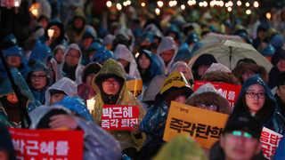 '촛불은 계속된다'…오늘도 청와대 앞까지 촛불행진