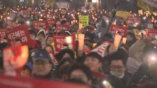 고비마다 커진 촛불…정치권 압박하며 탄핵 통과 이끌어