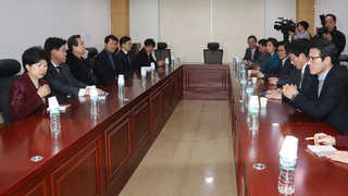 새누리 비상시국회의 회동…야권, 신속한 헌재 판결 촉구