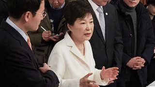 """박 대통령측 """"최순실과 이익공유 아니다"""" 반박"""