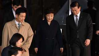 박 전 대통령 구속영장 이번주 결단…운명의 한주 시작