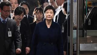 박 전 대통령 구속영장 마라톤 심사…오늘 새벽 운명 갈린다