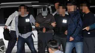 """농협 강도가 버린 권총ㆍ실탄 찾았다…""""빚이 많아 범행"""""""