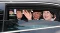 الرئيس مون يكسر القواعد البروتوكولية بالتواضع واللطف تجاه الشعب