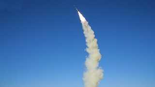 북한, 동해로 미사일 발사…450㎞ 비행