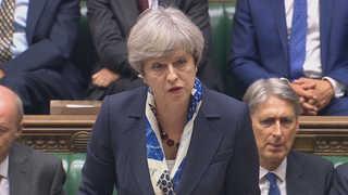영국 메이, 런던화재 공식사과…인재 논란 커질 듯