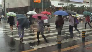 제주 첫 장맛비…서울 8일 만에 폭염특보 해제