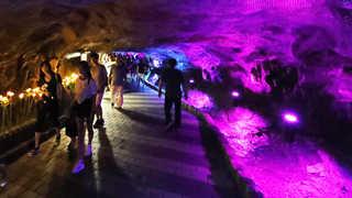 더위 피하고 역사 배우고…광명동굴, 관광 명소로 탈바꿈