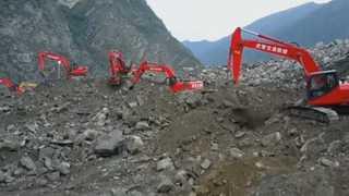 중국 쓰촨성 산사태 현장 추가 피해 우려…구조대 긴급 철수