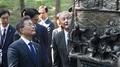 Moon conmemora la alianza con una visita a un monumento en recuerdo de una batal..
